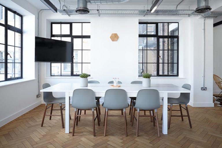 Etiqueta Alt: cubrealfombras acrílicos oficina
